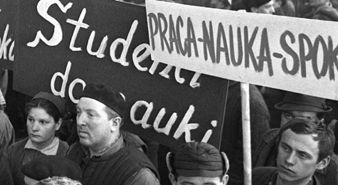 Znalezione obrazy dla zapytania manifestacja dziady
