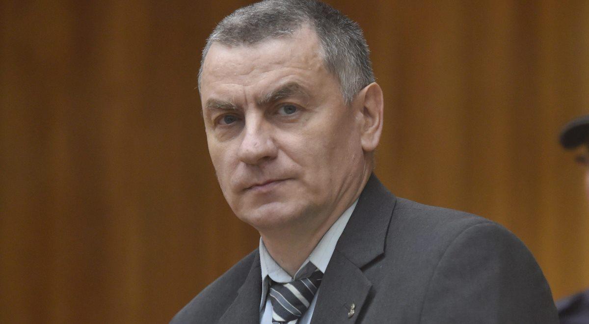Brunon Kwiecień podczas wygłaszania mowy końcowej 15 grudnia