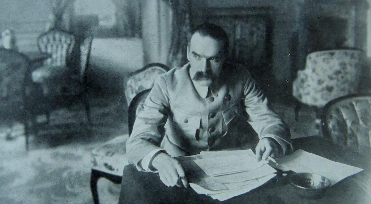 10 listopada wrócił do Polski z więzienie w Magdeburgu Józef Piłsudski, stworzona przez niego Polska Organizacja Wojskowa odegrała bardzo istotną rolę w odzyskaniu niepodległości