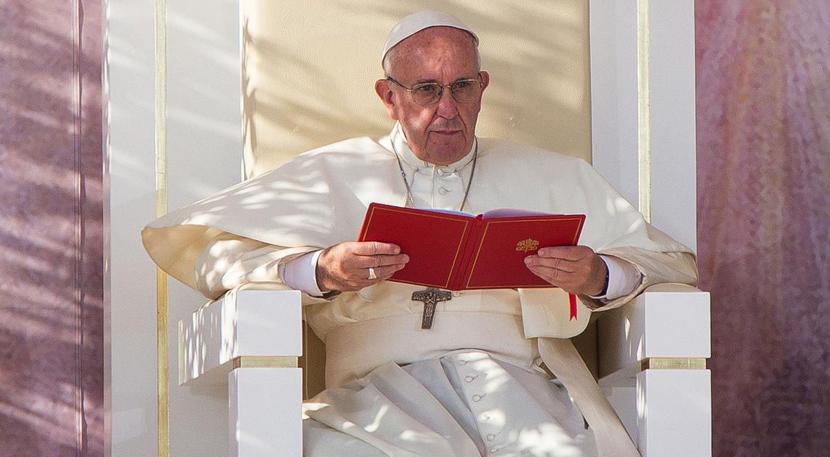 Папа Римский помолился за жертв теракта в Великобритании и Египте