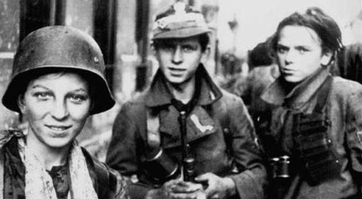 Żołnierze AK w czasie Powstania Warszawskiego