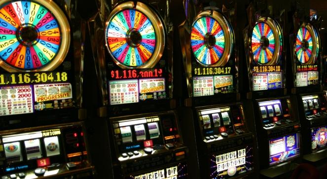 Znalezione obrazy dla zapytania kasyno