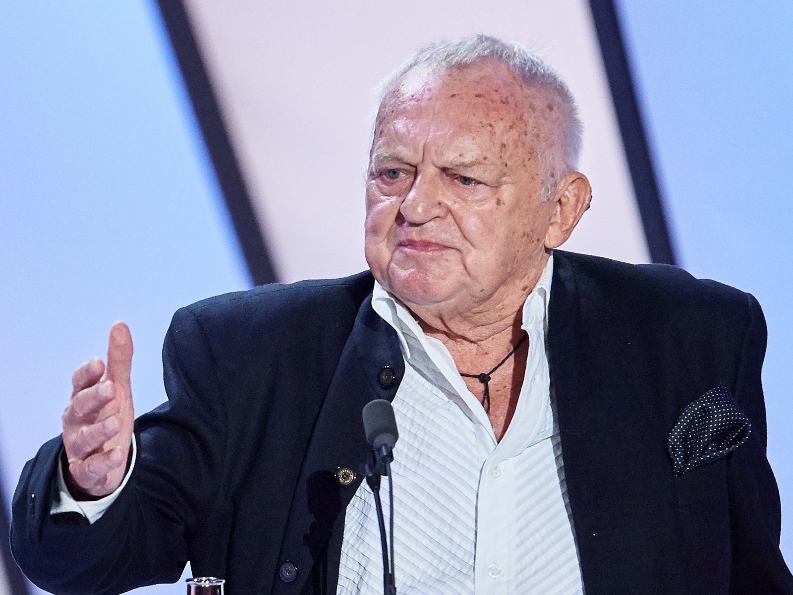Famous Polish director Jerzy Gruza dies at 87
