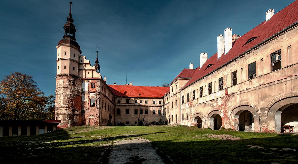 zamek głogówek wiki 1200.jpg