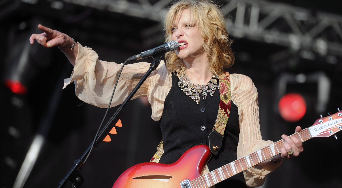 courtney love 1200 pap.jpg