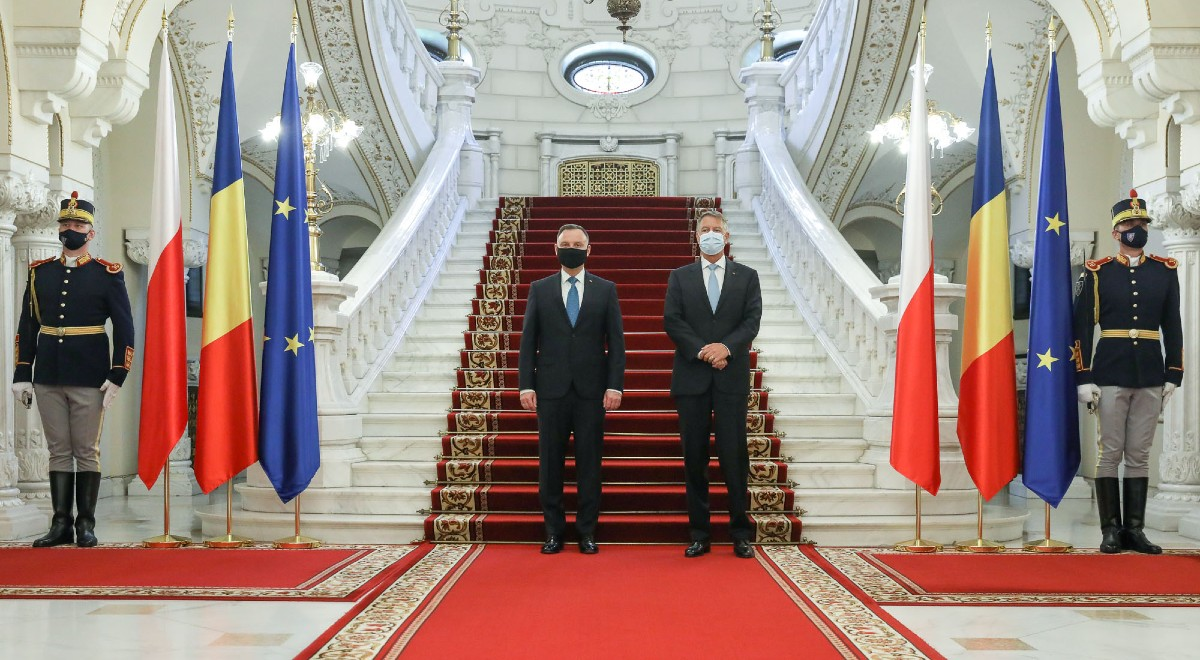prezydent Rumunia free tt twitter 1200 (1).jpg