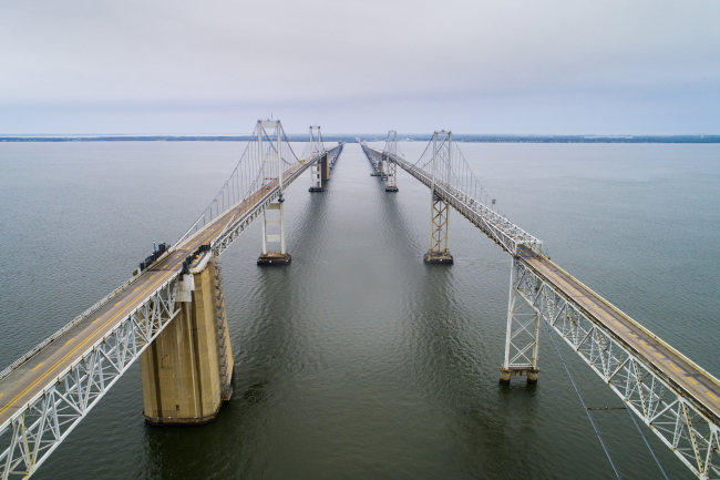 Niemal pusty William Preston Lane Jr. Memorial Bridge, tzw.  Chesapeake Bay Bridge  – most nad zatoką Chesapeake w amerykańskim stanie Maryland. Fot. PAP/EPA/JIM LO SCALZO