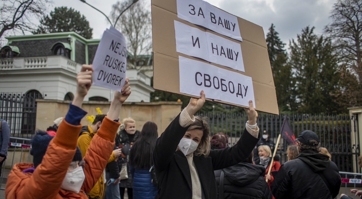 Protesters in front of the Russian embassy in Prague on Sunday.