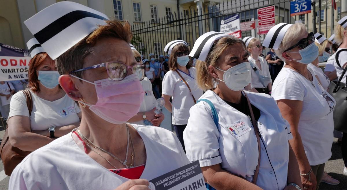 Pielęgniarki protest PAP 1200.jpg