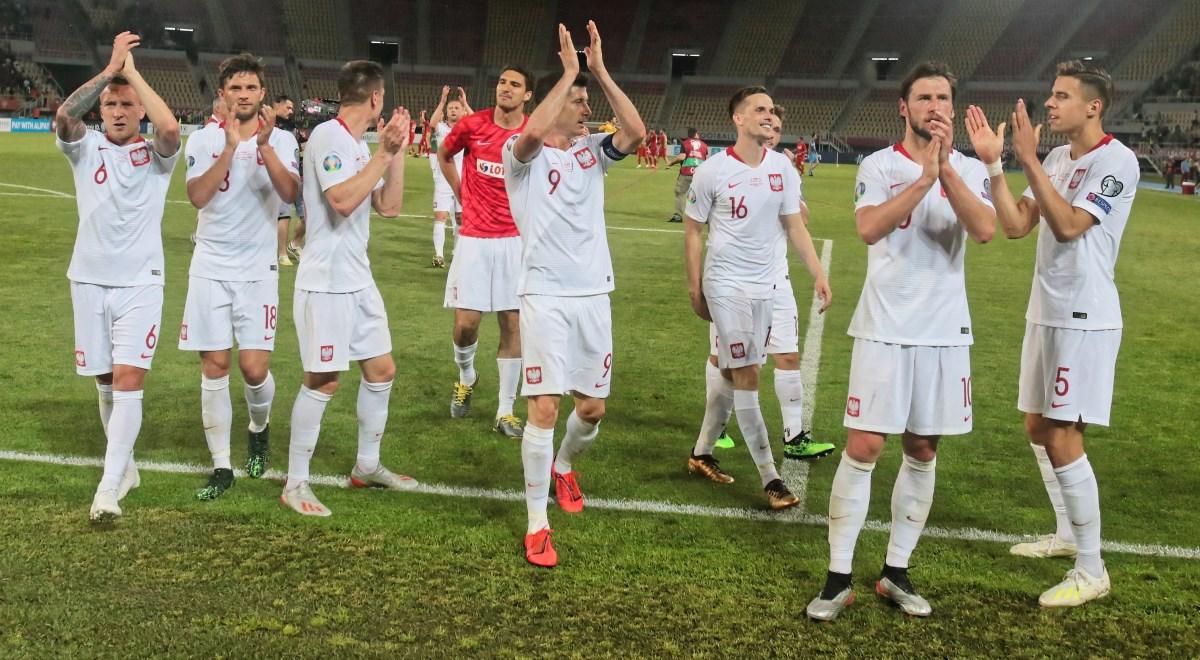 7203b9c72 Zawodnicy reprezentacji Polski po skończonym meczu eliminacyjnym  piłkarskich mistrzostw Europy grupy G z Macedonią Północną w