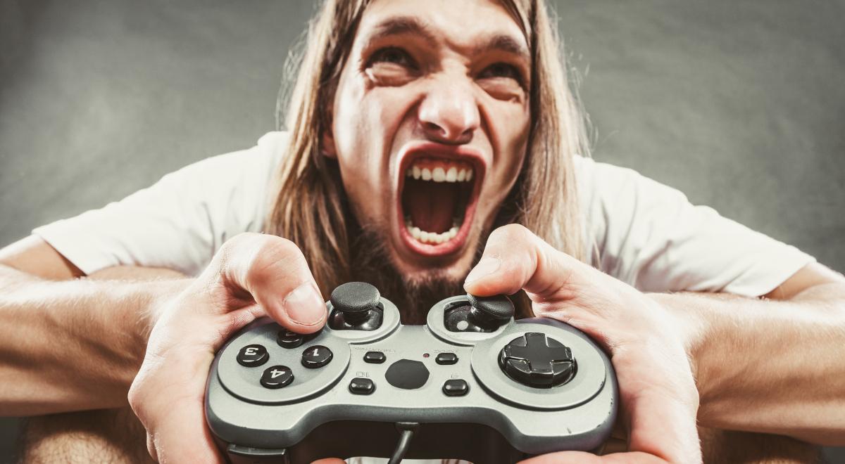 shutterstock_gaming gracz złość 1200.jpg