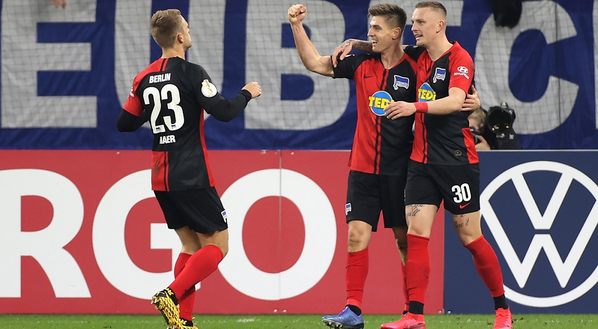 Krzysztof Piątek (centre) celebrates scoring the 2-0 lead for Hertha against Schalke in Gelsenkirchen, Germany, on Tuesday.