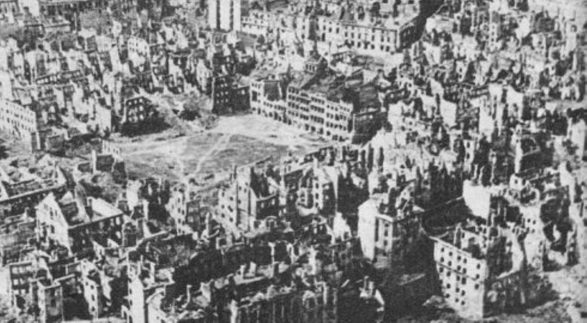 Miasto Ruin 1200 wiki.jpg