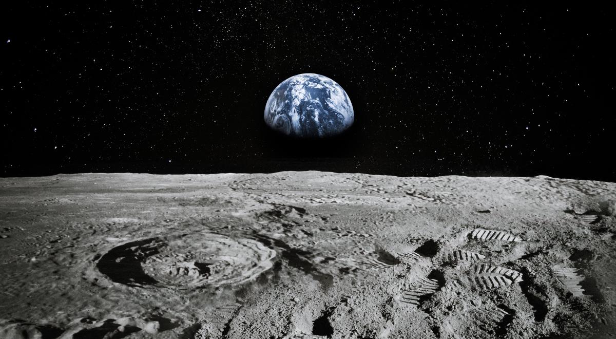 shutterstock_1454730908 ziemia księżyc kosmos 1200.jpg