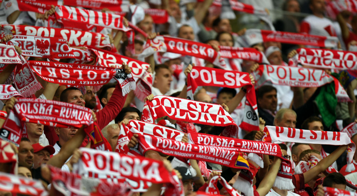 1491e4ee5 Kibice piłkarskiej reprezentacji Polski podczas jednego z meczów kadry