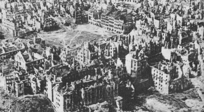Stare Miasto w Warszawie zniszczone po II wojnie światowej