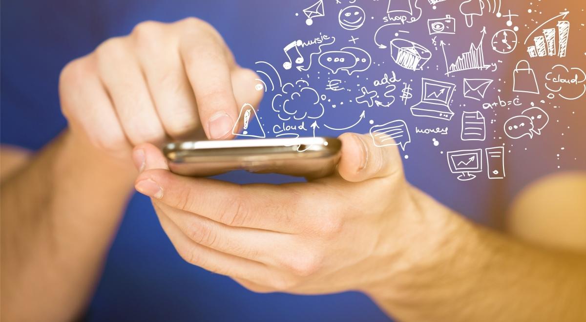smartfon aplikacje 1200.jpg