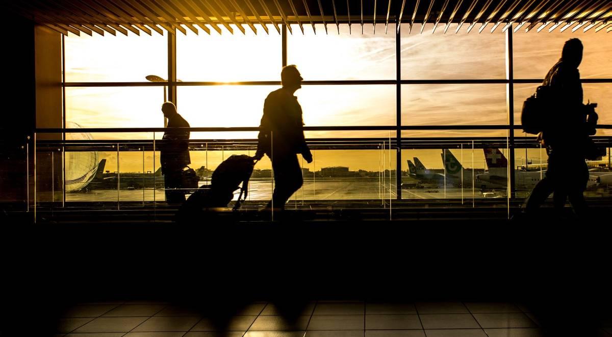 pixabay lotnisko podróż turystyka 1200.jpg