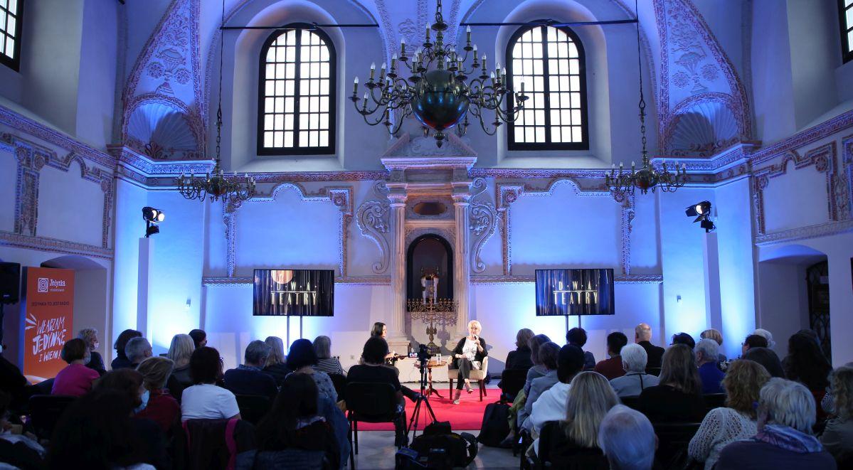 Festiwal Dwa Teatry 2021 spotkanie w Synagodze Magda Zawadzka.jpg