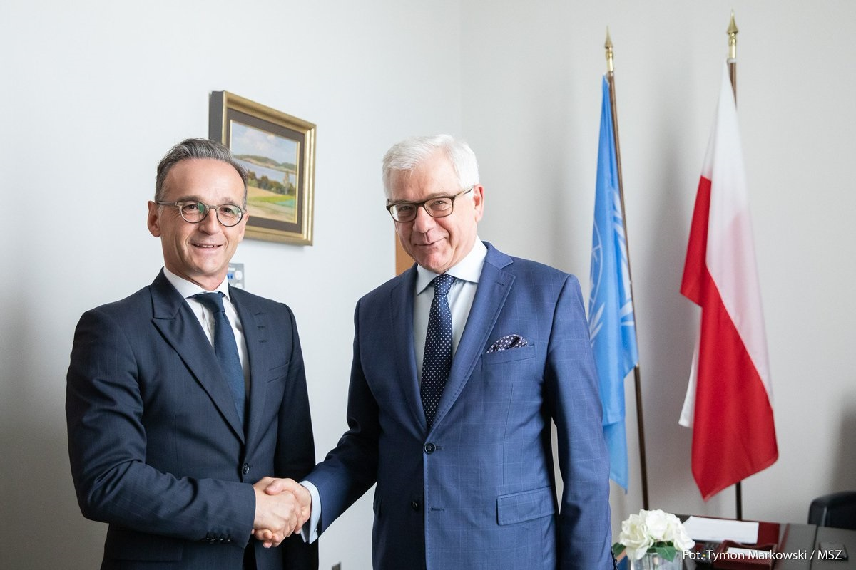 Polish Foreign Minister Jacek Czaputowicz (right) and his German counterpart Heiko Maas (left) meet in New York on Tuesday.