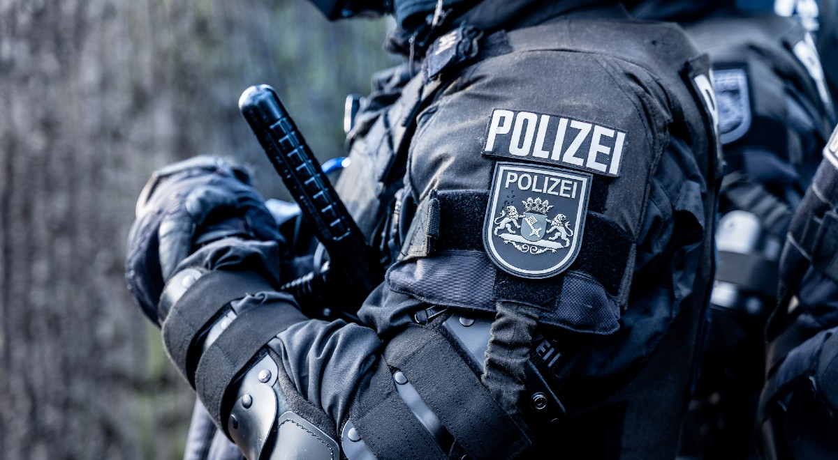 policja niemcy free niemiecka policja free shutt 1200 .jpg