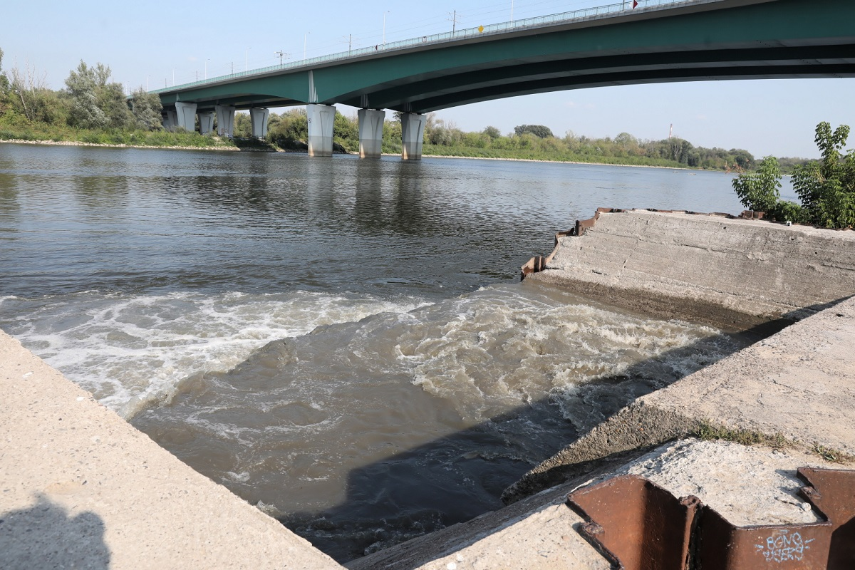 Raw sewage flowing into the Vistula River on Wednesday.