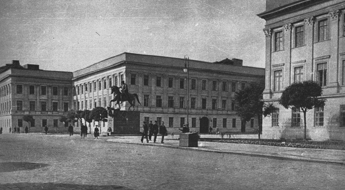1200_Pałac_Saski_Archiwa.jpg