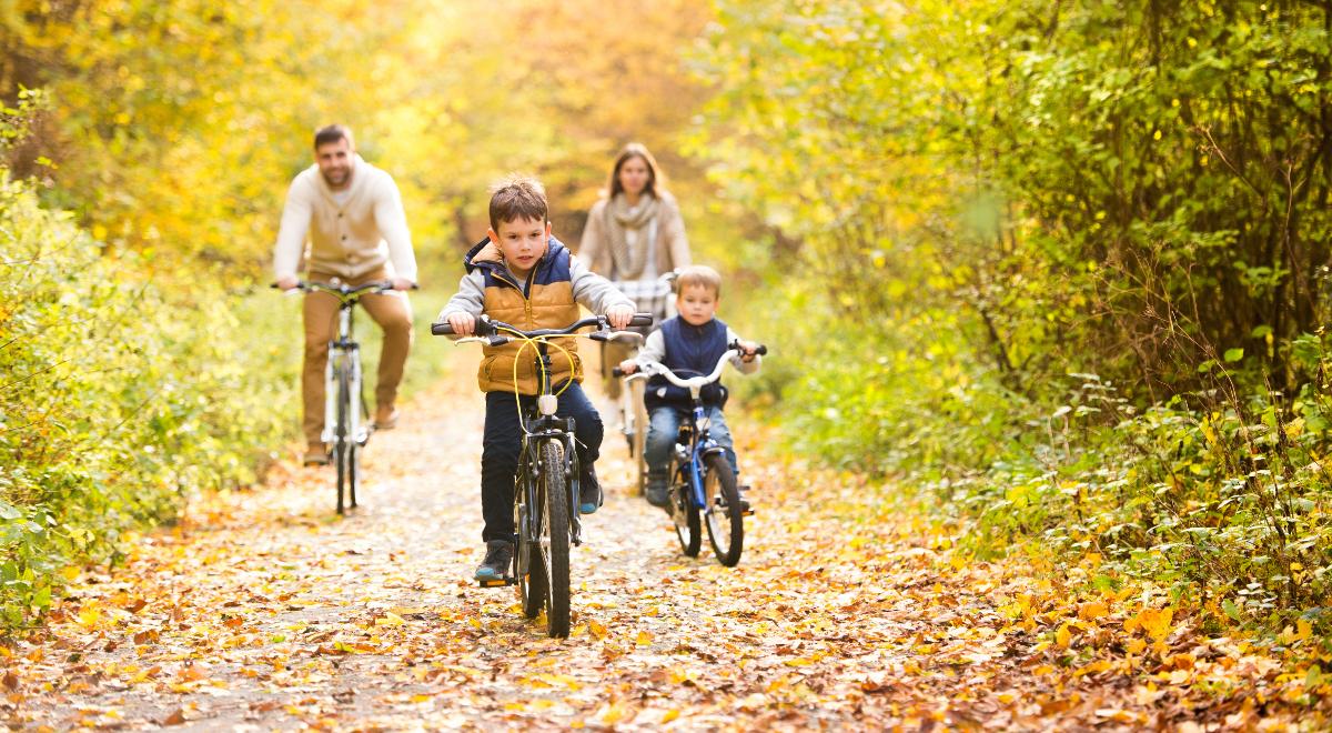 rodzina synowie syn wycieczka las 1200.jpg
