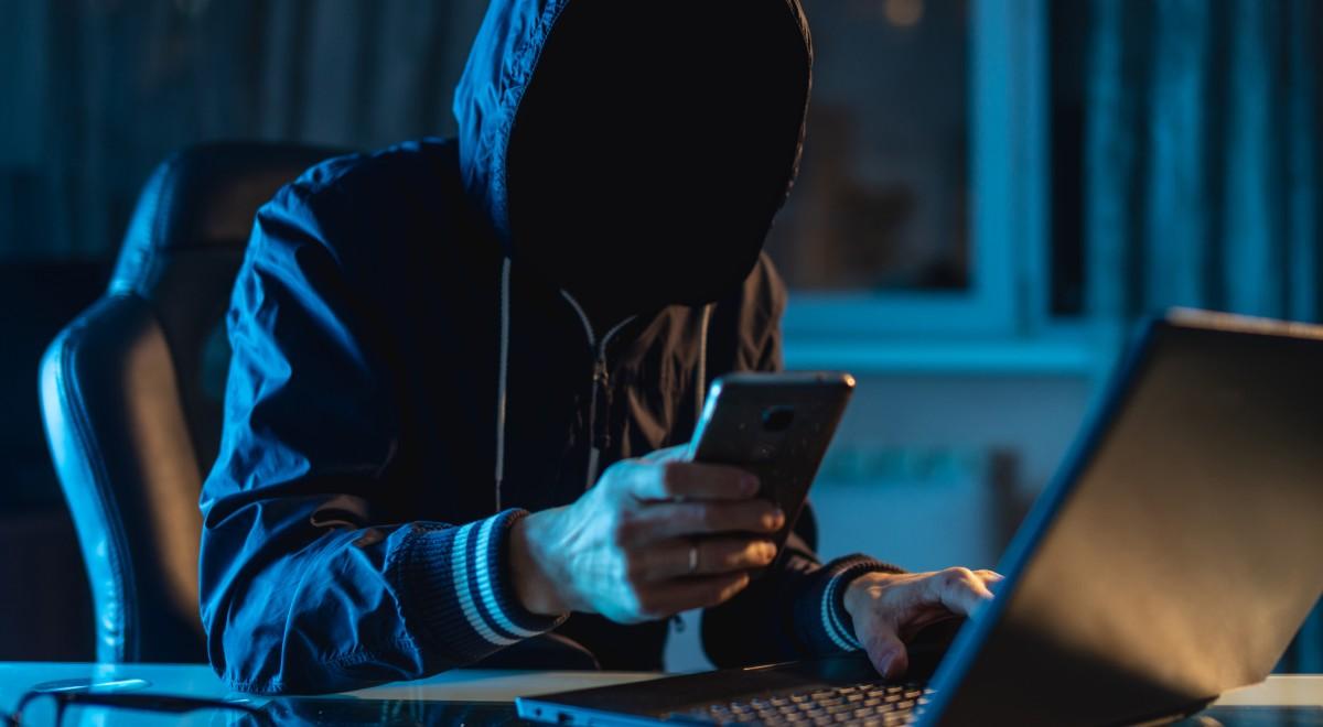 internet komputer hejt hacker hacking free shut 1200.jpg