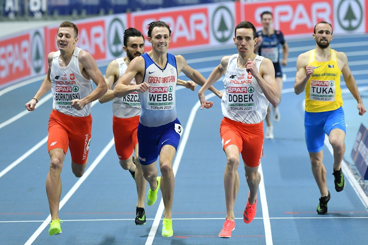 Poland's Patryk Dobek wins the men's 1,500 metres final in Toruń on Sunday, ahead of second-placed countryman Mateusz Borkowski and Britain's third-placed Jamie Webb.