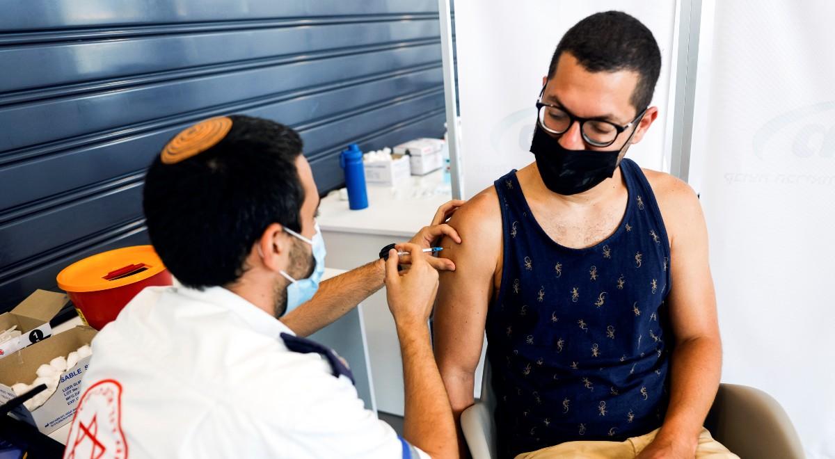 Nowe przypadki zakażeń COVID-19 w Izraelu. Ekspert: czwarta fala to pandemia niezaszczepionych