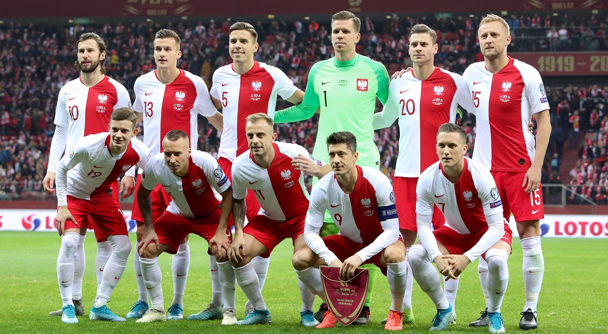 Poland players pose ahead of a European Championship qualifier against Slovenia in Warsaw in November.