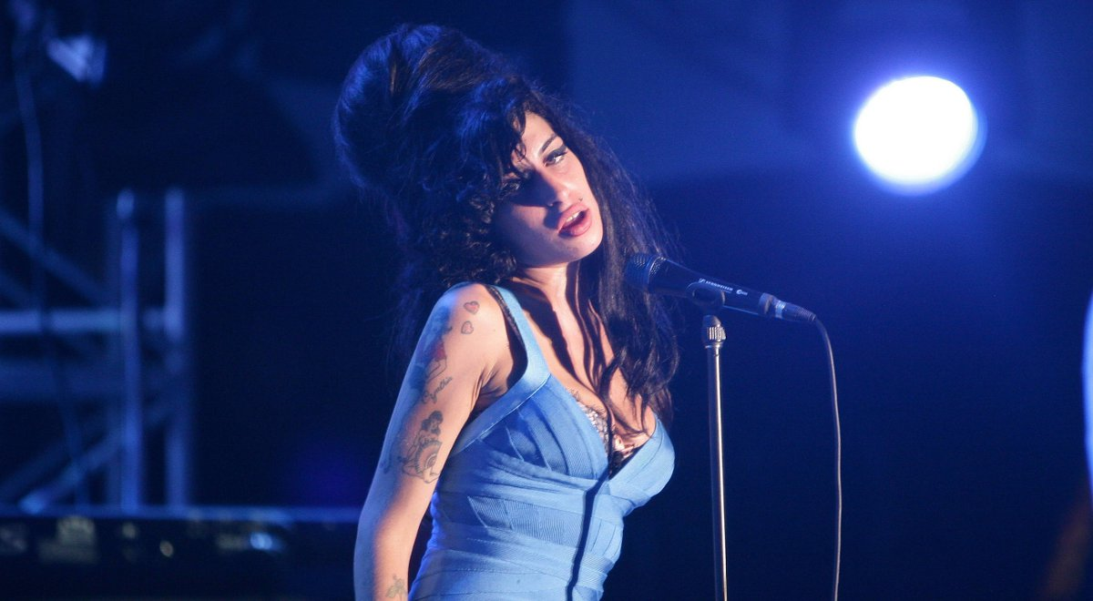 amy winehouse 1200 pap.jpg