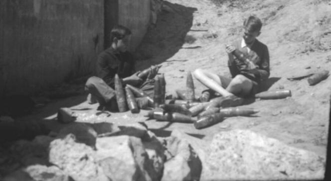 1914 Jak Zatańczyć Obraz Zdzisława Beksińskiego Dwójka