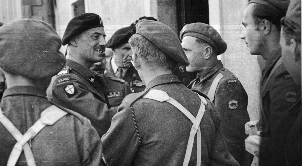generał władysław anders NAC 1200.jpg