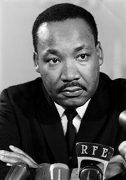 Martin Luther King przed mikrofonem RWE