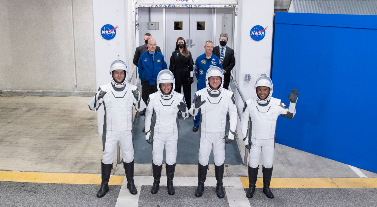 Załoga Falcon 9: Thomas Pesquet, NASA astronauts Megan McArthur and Shane Kimbrough, and Japan Aerospace Exploration Agency (JAXA) astronaut Akihiko Hoshide