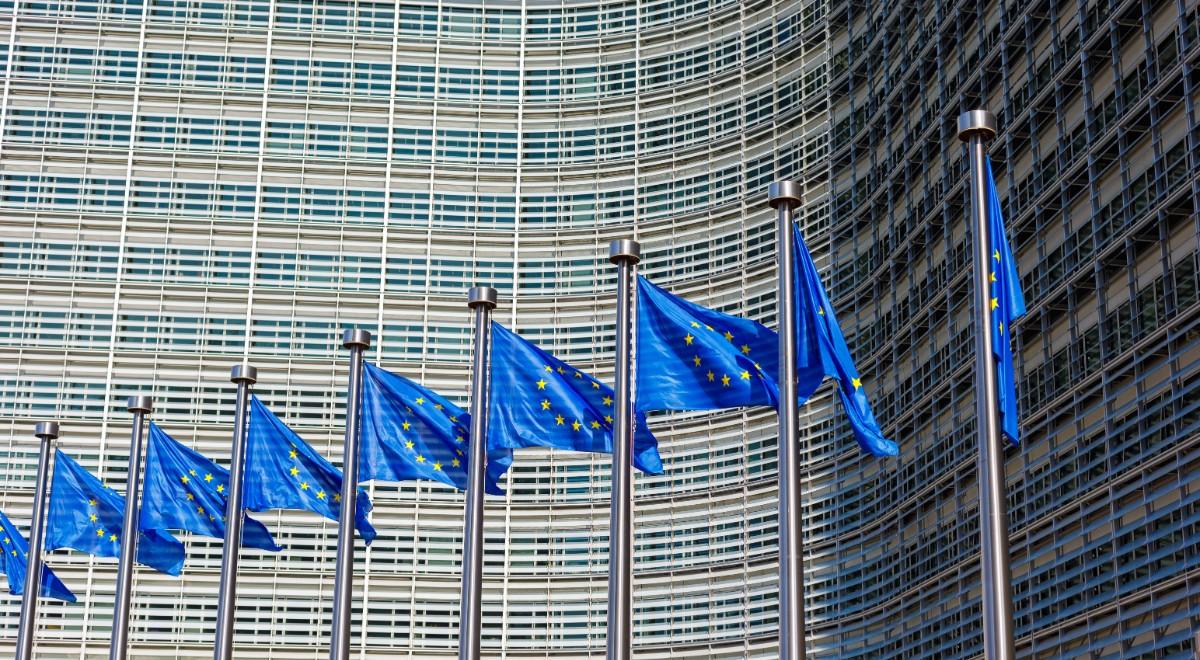 shutterstock unia europejska free komisja europejska free ue free ke free 1200.jpg