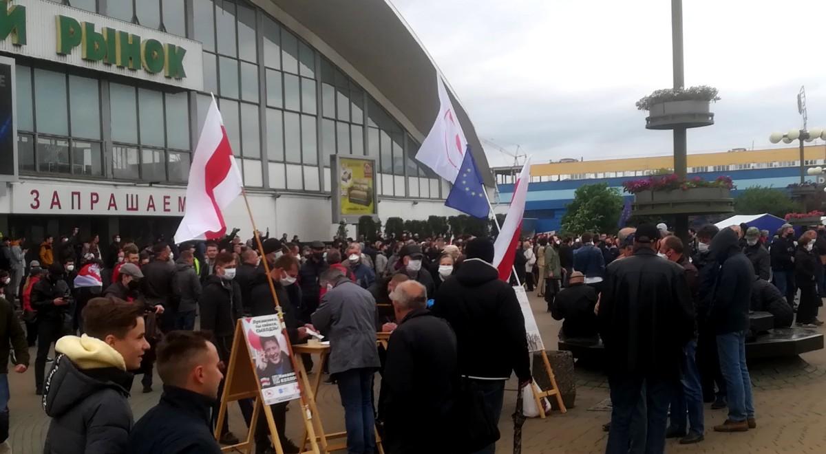 białorusini zbierają podpisy na rzecz niezależnych kandydatów w wyborach