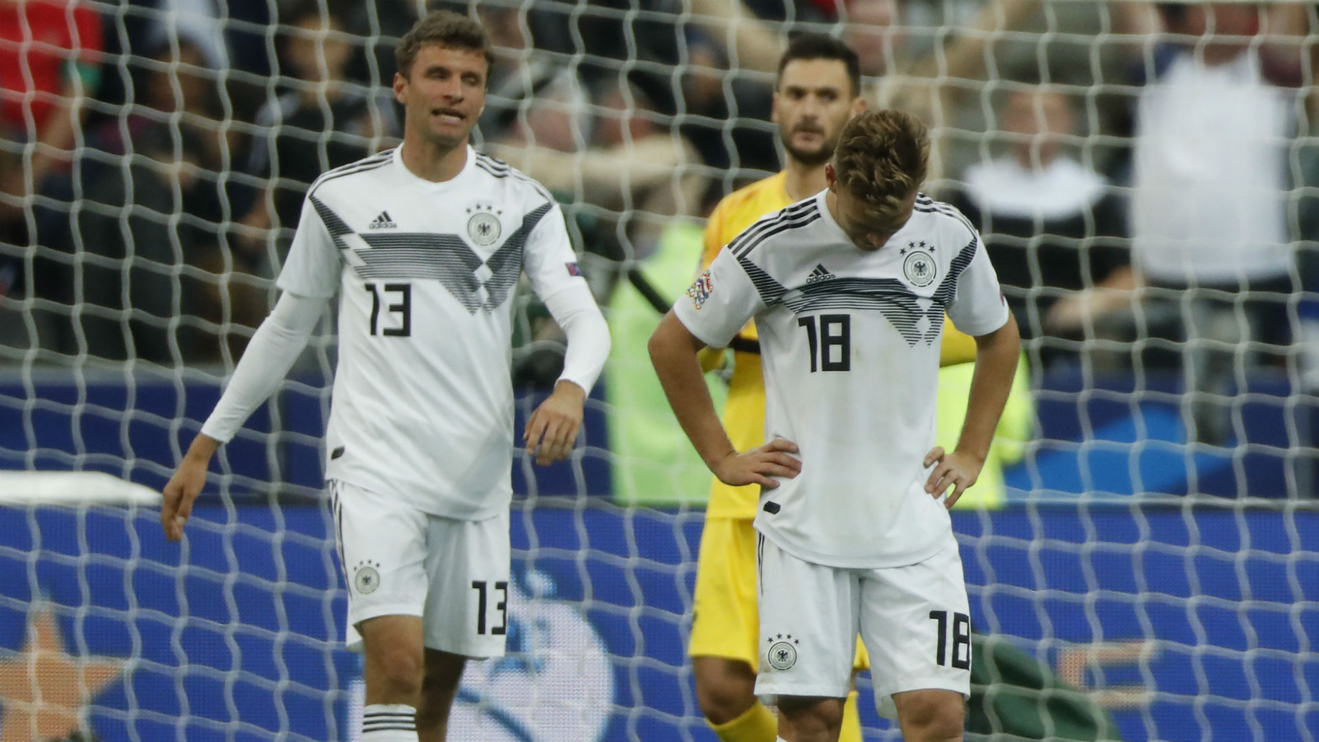 a1a7f5a51 Joshua Kimmich i Thomas Mueller po meczu z Francją w Lidze Narodów
