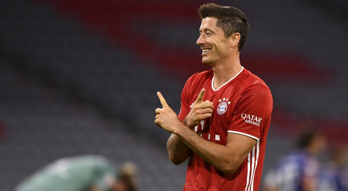Robert Lewandowski celebrates after scoring the 3-0 lead for Bayern against FC Schalke 04 in Munich on September 18, 2020.