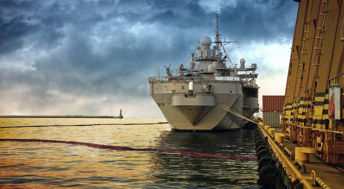 shutterstock_ okręt statek tankowiec free 1200.jpg