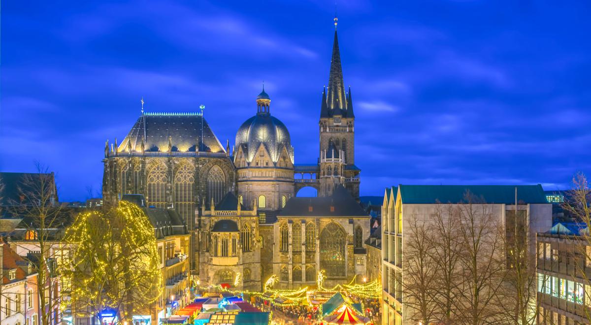 Aachen katedra shutter 1200 Christian_Schmidt.jpg