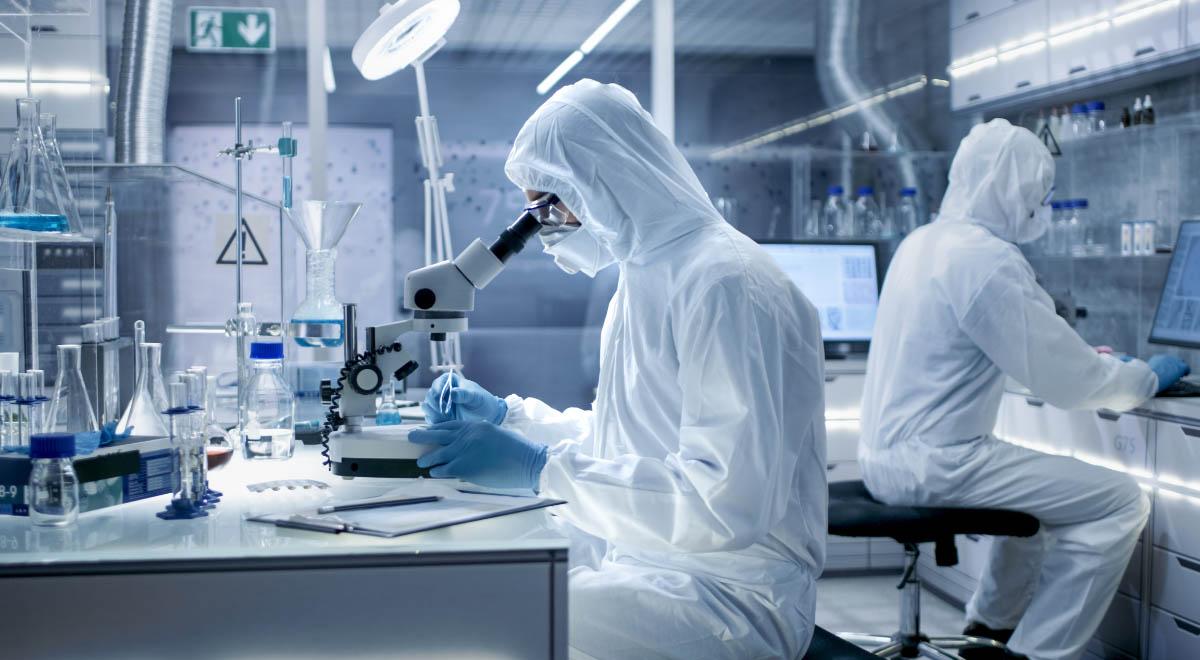 chemia badania szczepionka koronawirus laboratorium covid-19 F shutterstock 1200.jpg