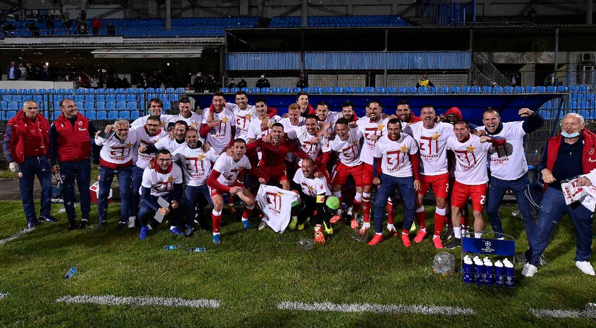TT FK Crvena zvezda 1200F.jpg