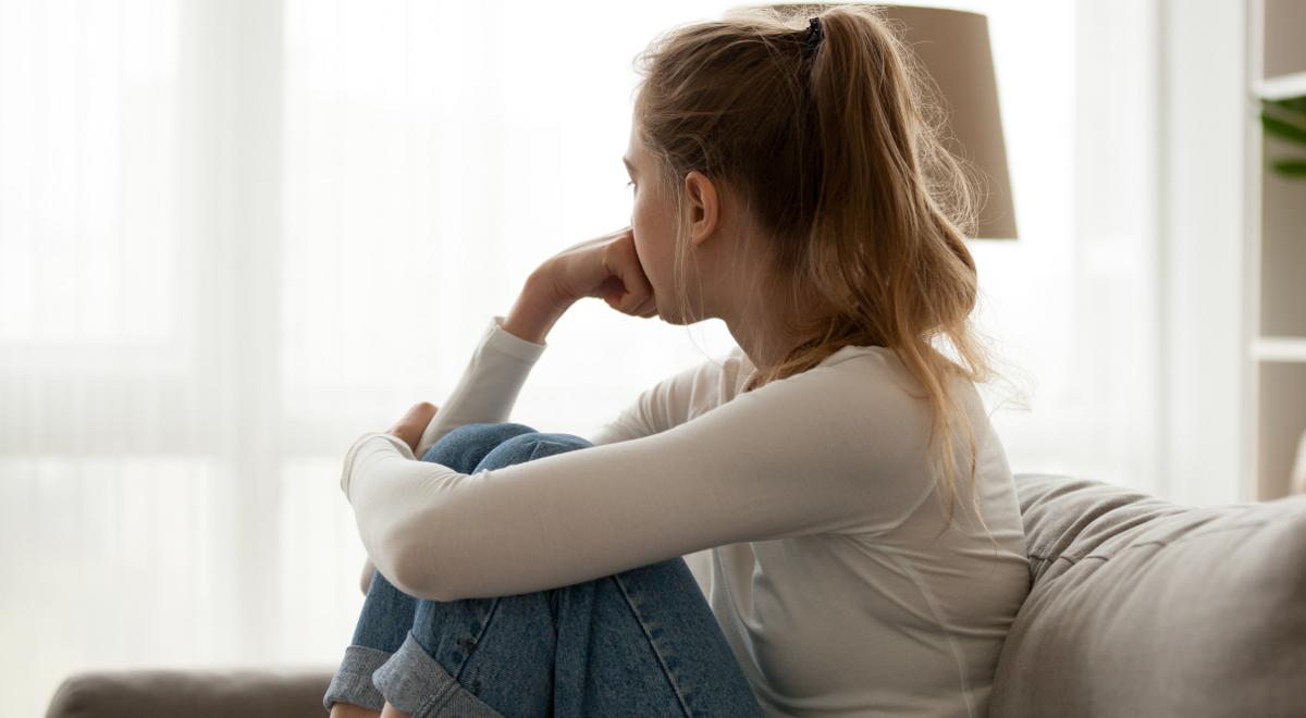nastolatka młodzież smutek depresja 1200.jpg