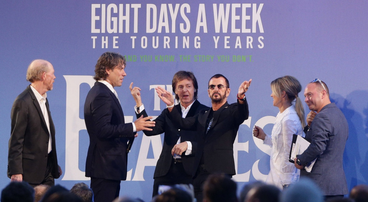 Muzycy sir Paul McCartney and Ringo Starr na premierze filmu Rona Howarda The Beatles: Eight Days A Week - The Touring Years w Londynie