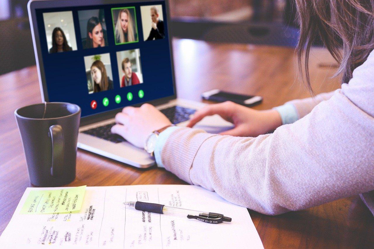 Spotkania integralne online, to często wybierana przez firmy forma rozrywki.