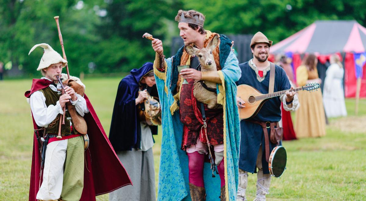 średniowiecze festiwal rekonstrukcja 1200.jpg