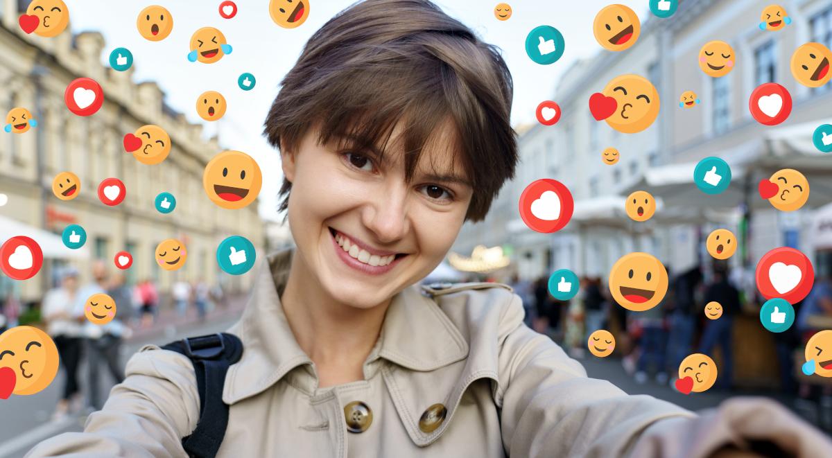 selfie kobieta media społecznościowe social media 1200.jpg